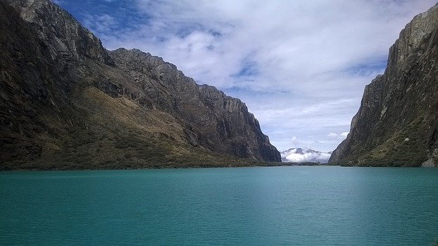 Die Laguna Chinancocha bei Huaraz in Peru