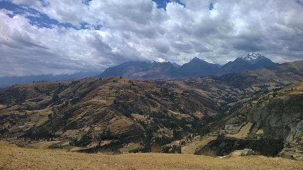 Panorama der Cordillera Blanca in Peru